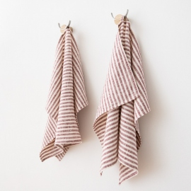 Set of 2 Cherry Linen Hand and Towels Brittany